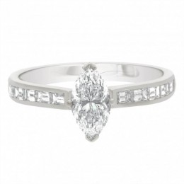 Ava DS 1 engagement ring