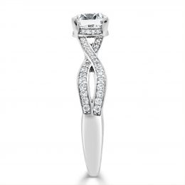 diamonds-engagement-ring-with-twisted-band