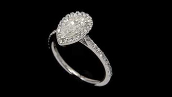 """Harriot (pear)"" – Engagement ring by Loyes Diamonds Dublin"