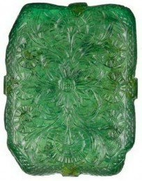floral-pattern-on-the-reverse-side-of-the-moghul-emerald