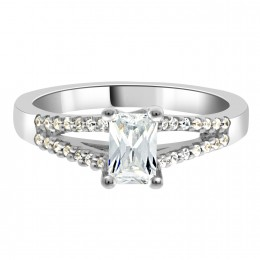 Layla emerald cut diamond ring