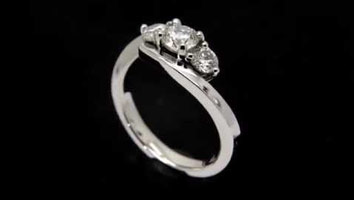 """Carla"" – Three Stone Engagement Ring"